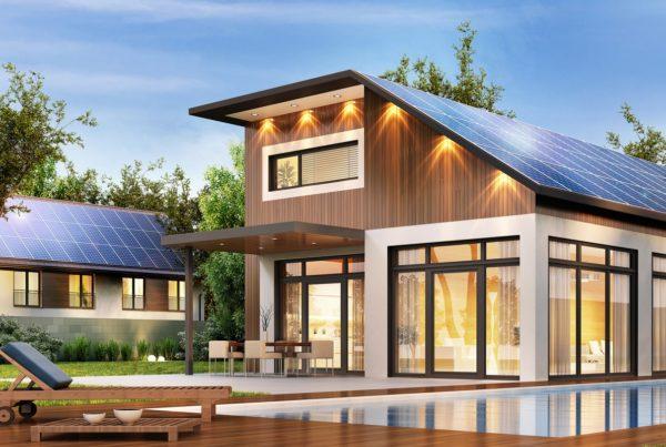 dom z panelami